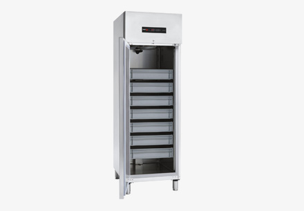 neo-concept-fish-refrigerated-cabinets-1