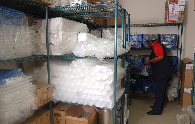 midmed-hospital-catering-equipment-day-store