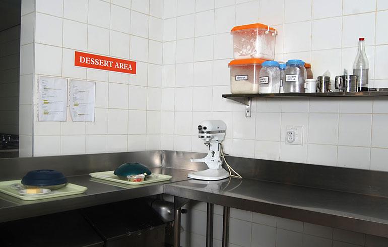 midmed-hospital-catering-equipment-dessert-area