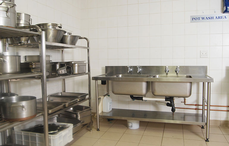 midmed-hospital-catering-equipment-pot-wash