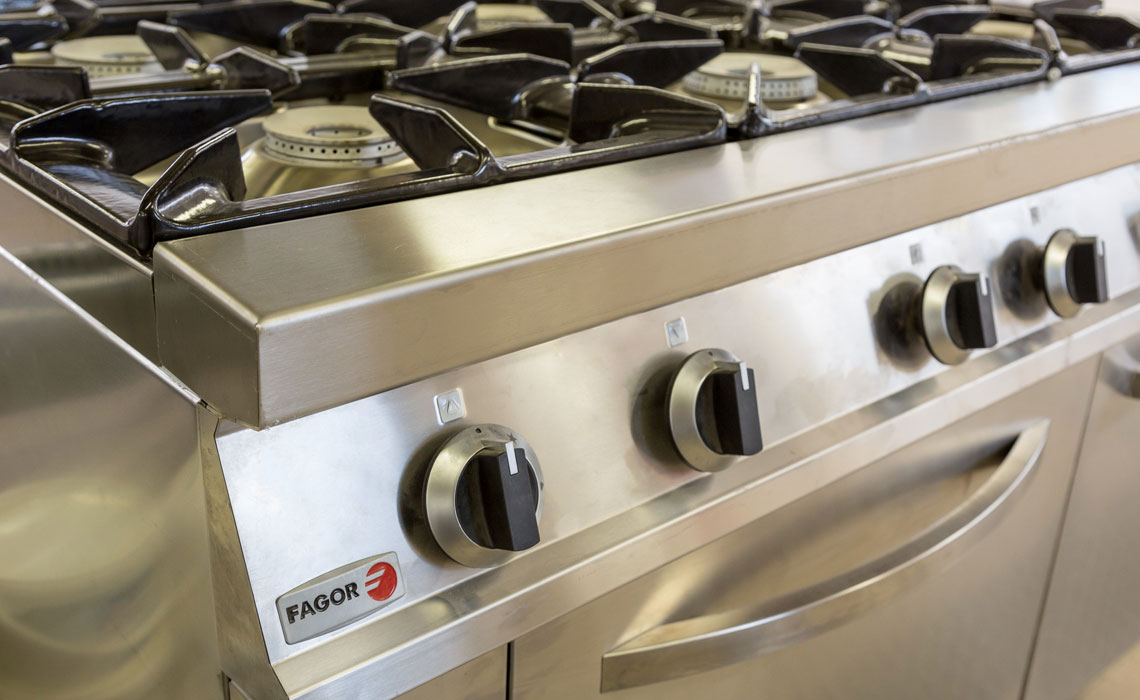 hospitality-industry-refrigeration-catering-cooking-equipment 11