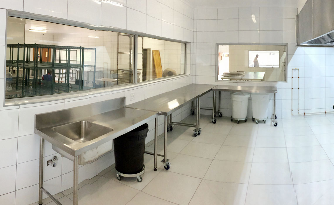 londolozi-central-kitchen-cooking-ranges-gas-electric-modular