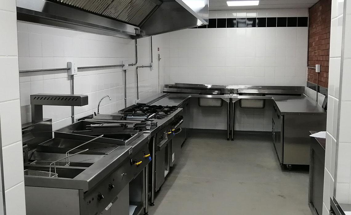 gusto-restaurant-catering-equipment-bar 4