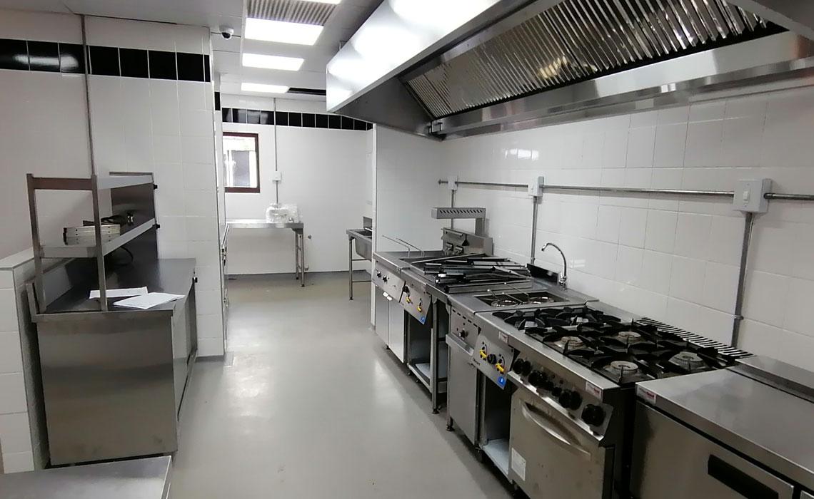 gusto-restaurant-catering-equipment-bar 7