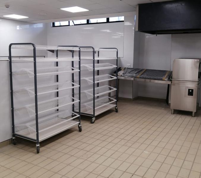 hood-type-dishwasher-dishes-restaurant 2