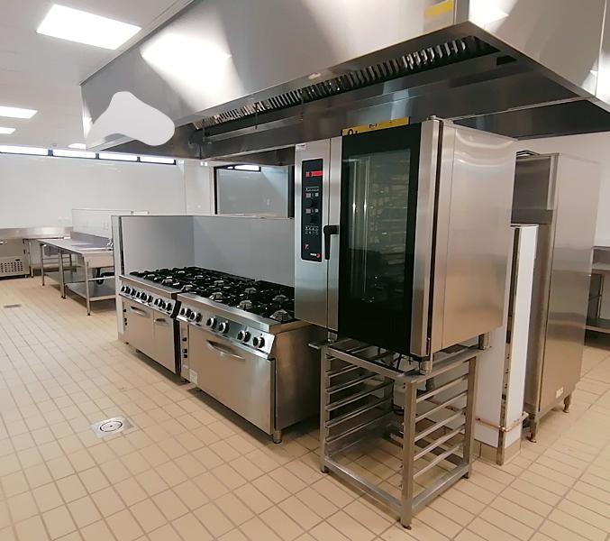 main-kitchen-back-1-combi-steamer